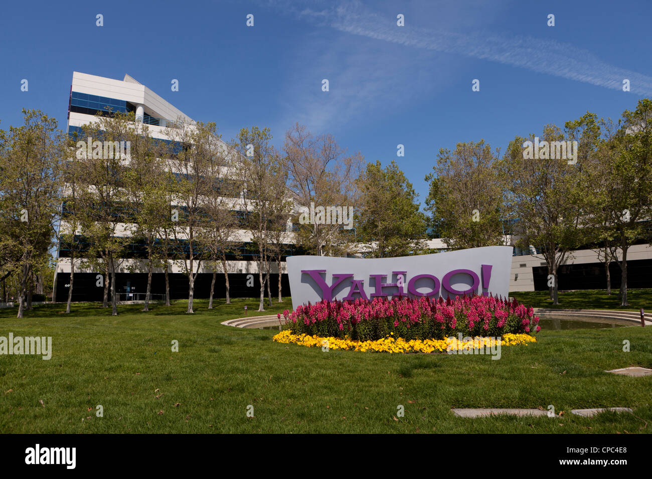 Sedia A Rotelle Yahoo Yahoo Building Immagini Yahoo Building Fotos Stock Alamy