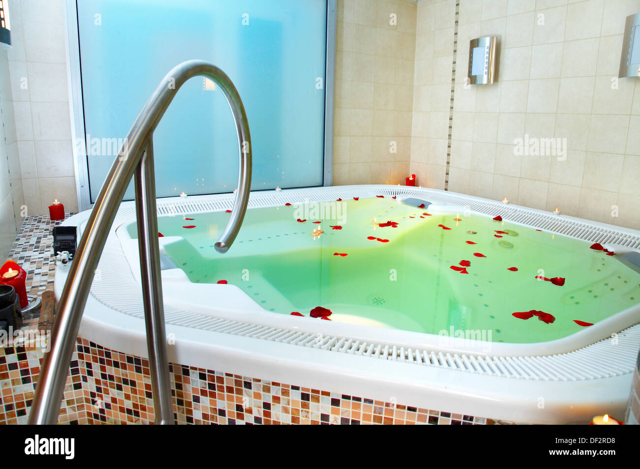 Vasca Da Bagno Jacuzzi Aira : Jacuzzi vasca contento e karina le nuove vasca jacuzzi in luxecast