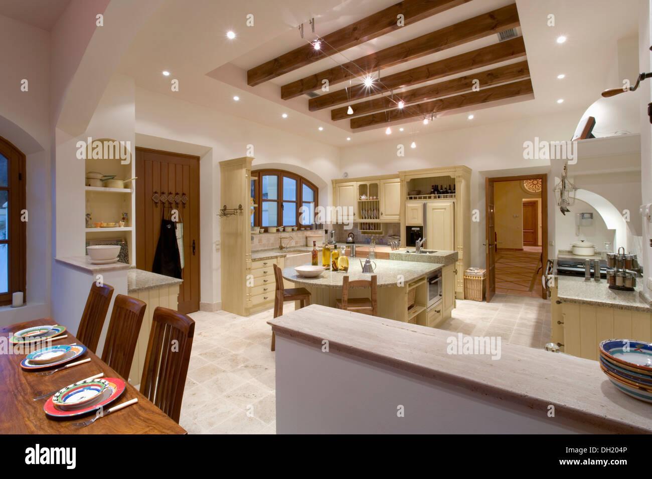 Controsoffitto Con Travi In Legno : Illuminare soffitto con travi in legno: illuminazione soffitto con