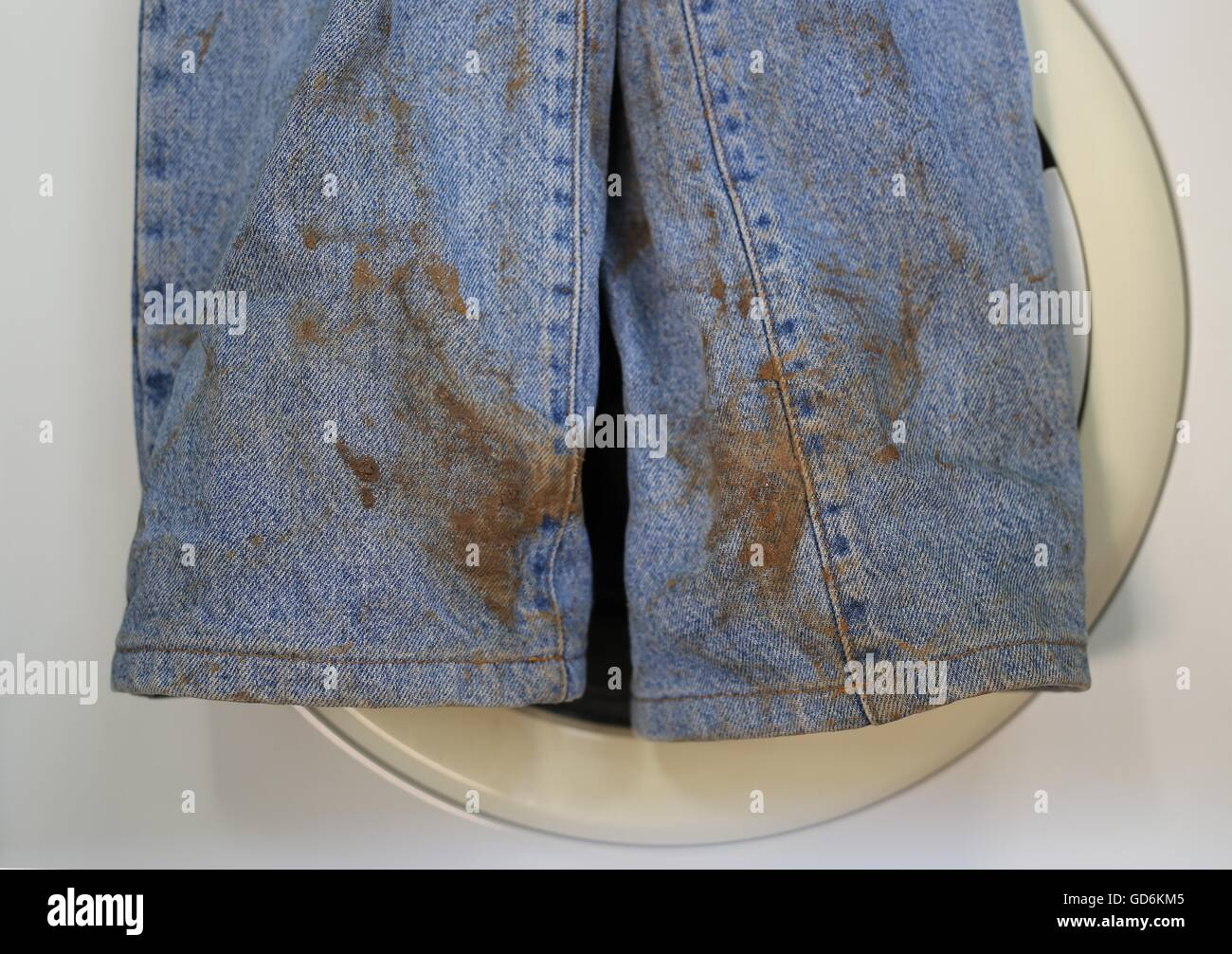 Macchia Pittura Jeans Stained Trousers Immagini Stained Trousers Fotos Stock Alamy