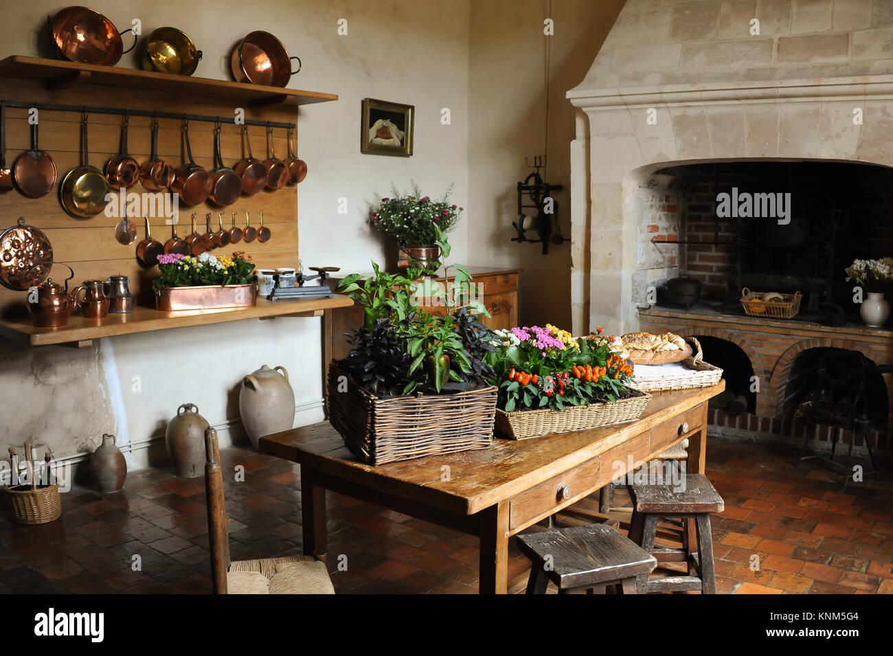 Cocina Medieval Medieval Fireplace Immagini And Medieval Fireplace Fotos