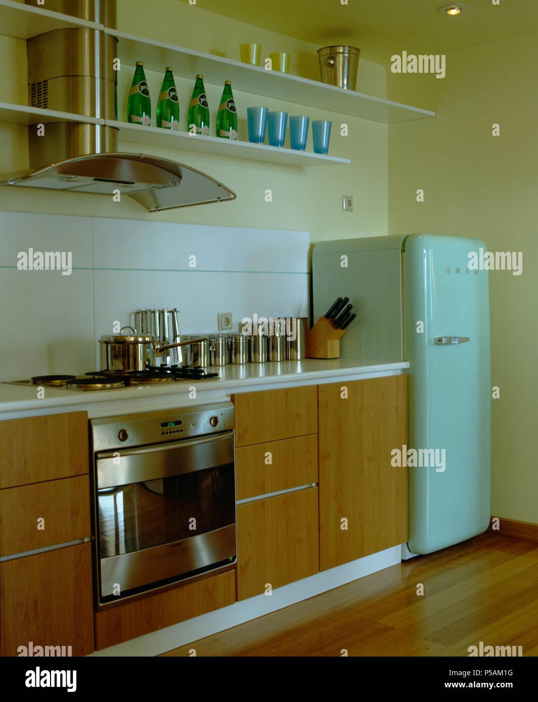 Cucine Moderne Con Frigo Libera Installazione | Cucine Economiche 5 ...