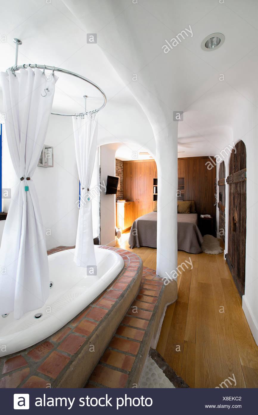 Camera Da Letto Con Vasca | Le Camere Albornoz Palace Hotel 4 Stelle ...