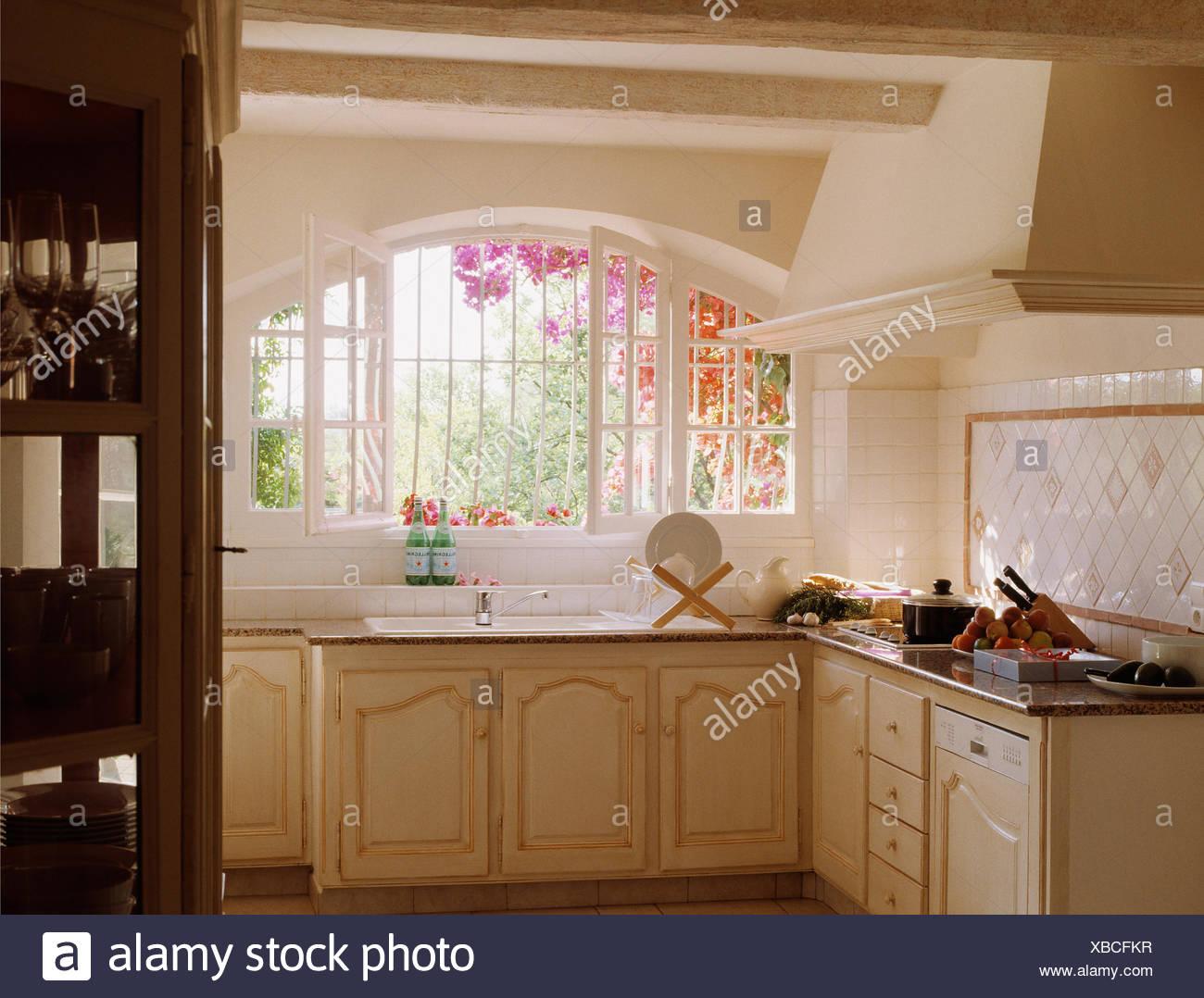 Cucina angolare lavello sotto finestra cucine ad angolo con lavello sotto finestra - Cucina ad angolo con finestra ...