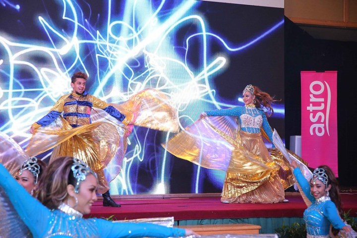 Opening performance by Desi Dance group