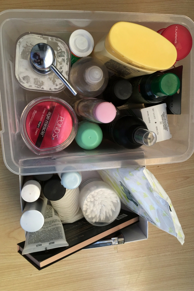 Organising your make-up for easy mornings. Working mom, african mommy blogger