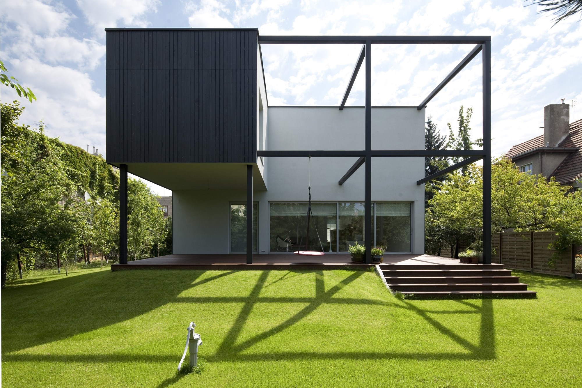 Container Haus Cube Black Cube House By Kameleonlab Caandesign Architecture And Home