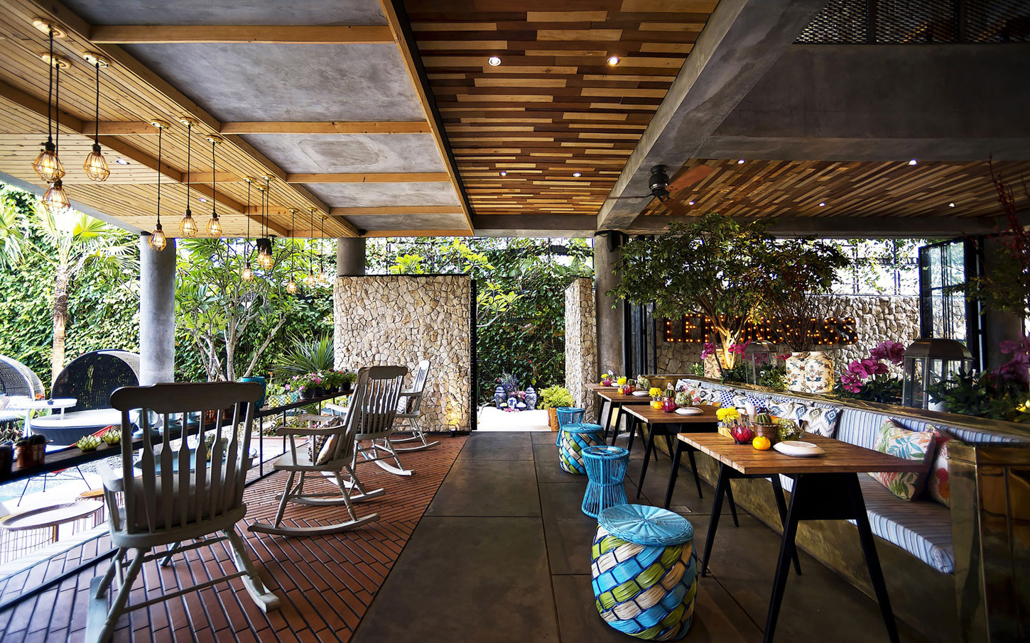 Amenagement Terrasse Pinterest Stylish Tropical Paradise Theme Of Lemongrass Restaurant