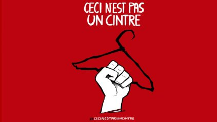 http://i0.wp.com/cache.cosmopolitan.fr/data/photo/w1536_c17/4p/cintre-fond-rouge.jpg?resize=423%2C238