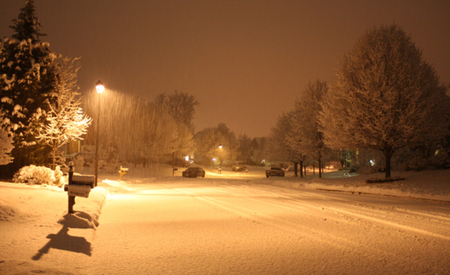 Beautiful Snow Falling Wallpapers Snowy Night By Street Light Winter Amp Nature Background