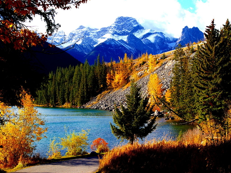 Serene Wallpapers Large Fall Fall In The Foothills Of The Snowy Mountain Mountains