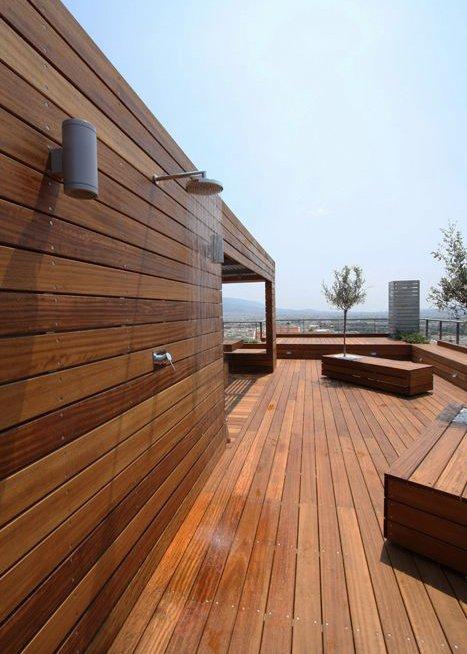 Terrasse en bois sur plot  comment la poser ? - Marie Claire - Comment Poser Une Terrasse Bois