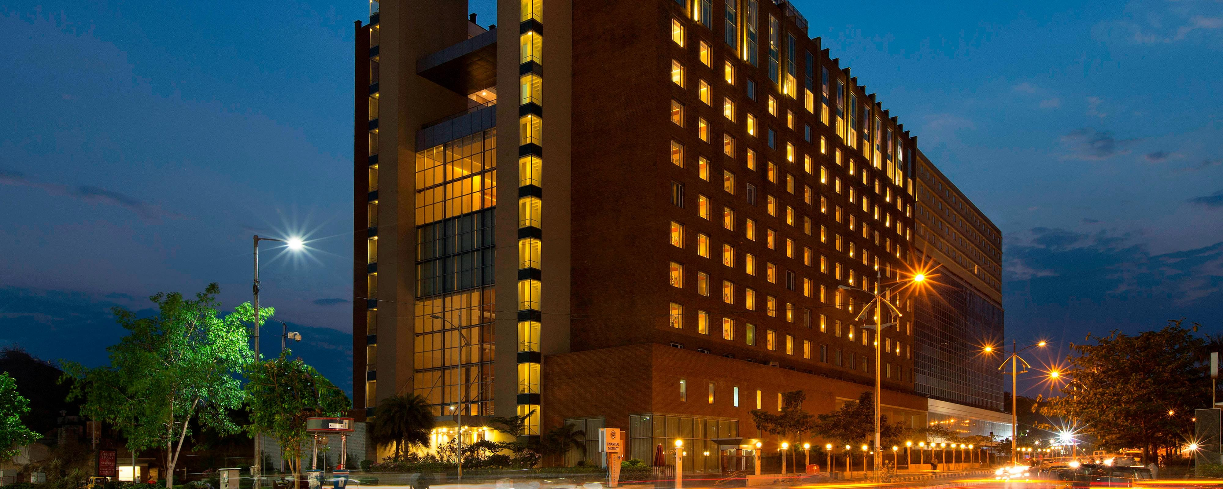 Marriott Bett Sheraton Hyderabad Hotel - Hyderabad | Marriott Bonvoy
