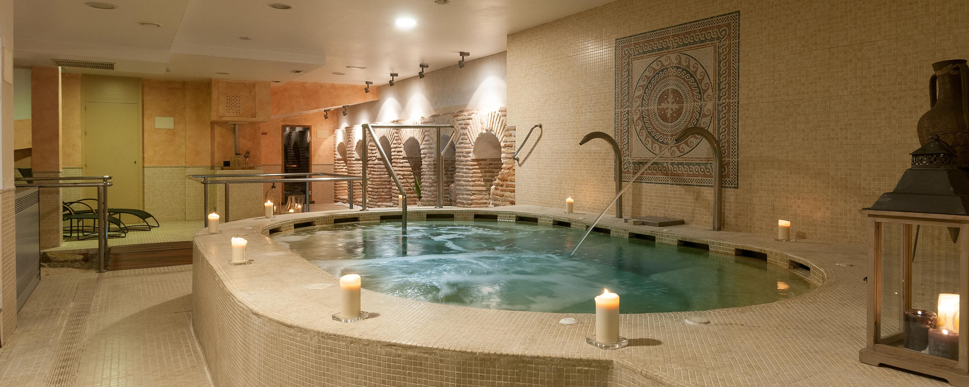 Jacuzzi Pool De Luxurious Hotel Spa In Toledo Spain Eugenia De Montijo