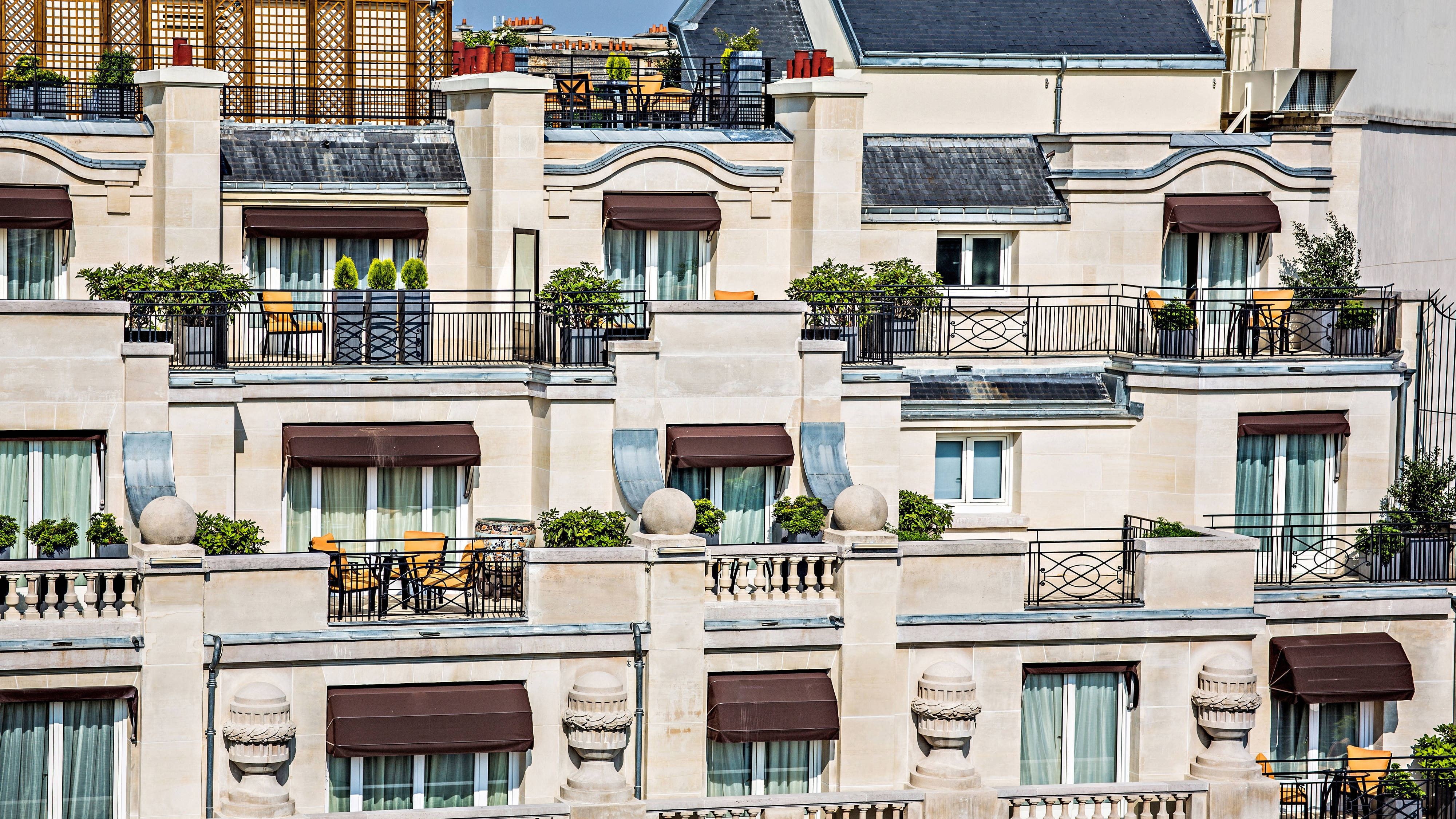 Brunch Paris Terrasse 5 Star Hotel In Paris Prince De Galles A Luxury Collection