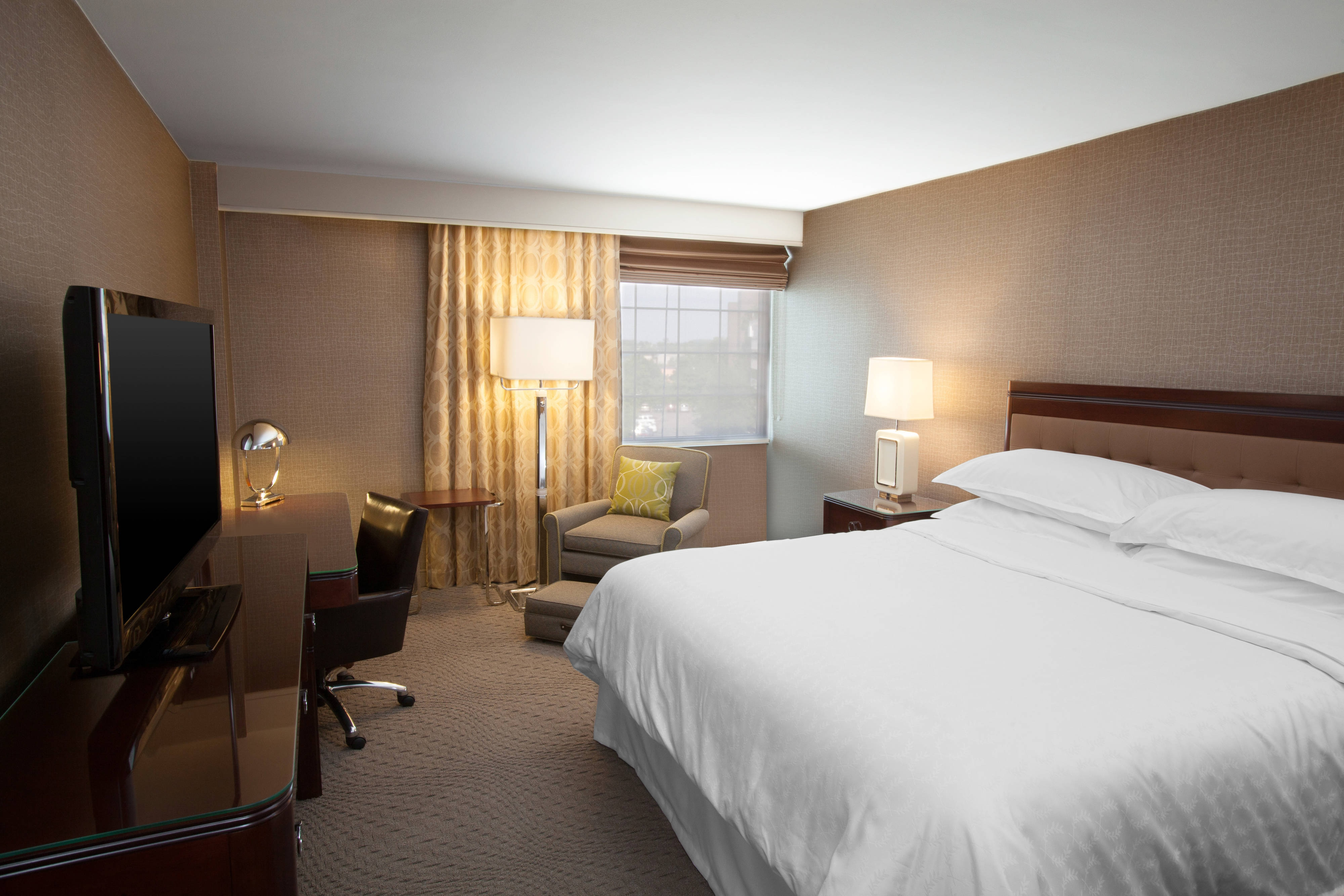 Hotel Rooms Near Hotel Rooms Near Pittsburgh Airport | Sheraton Pittsburgh