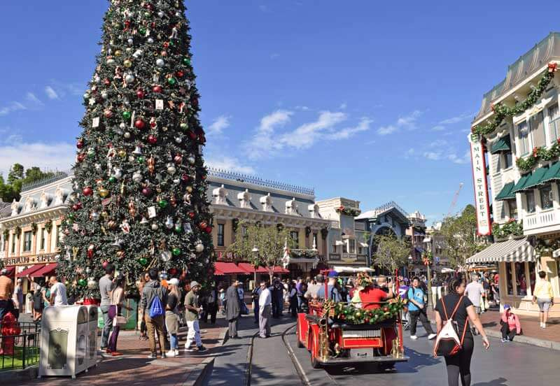 Guide to Planning for Holidays at Disneyland 2017 - disneyland christmas decorations