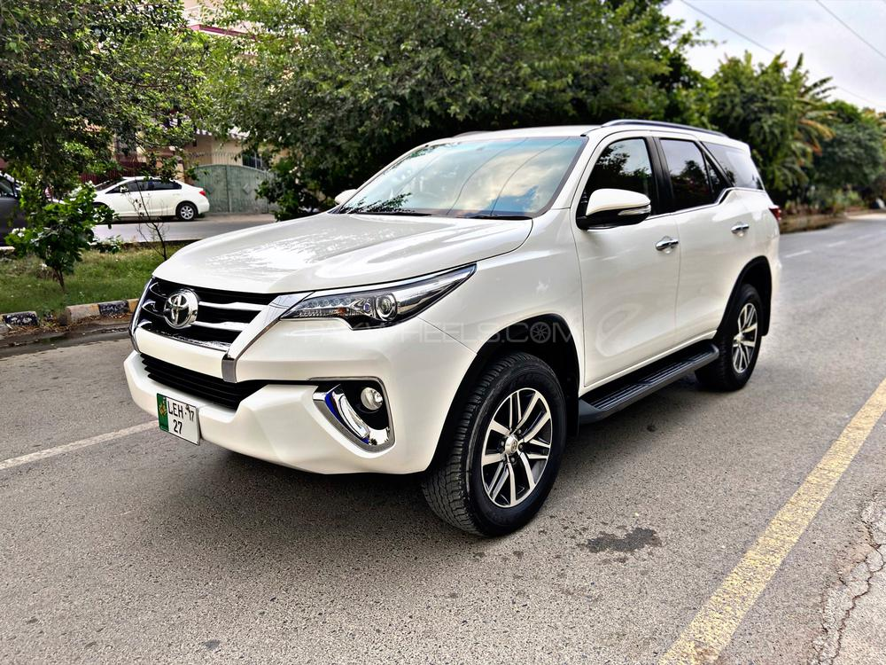 toyota fortuner 2017 for sale in lahore