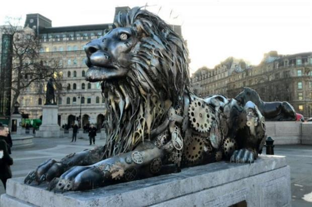 Travel Agency Wallpaper Hd Fifth Lion Unveiled In Trafalgar Square Highlights That