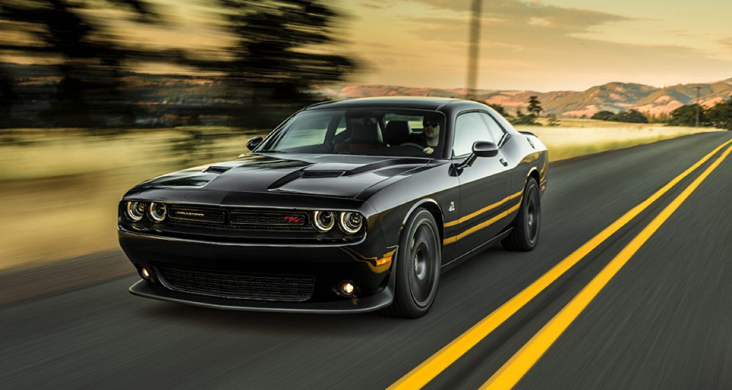 Challenger Hd Wallpaper 2019 Dodge Challenger Black Color On Highway Side View 4k Hd