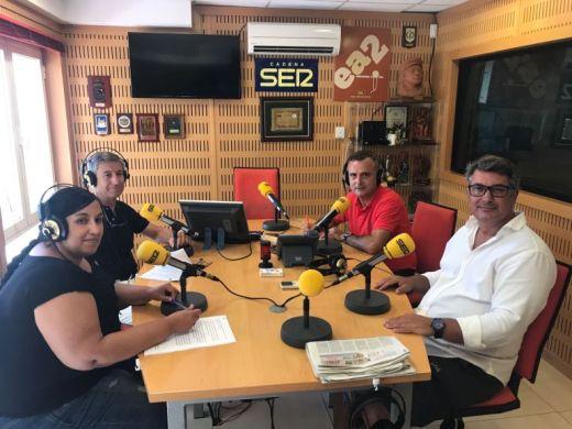 Concejales del Ayuntamiento de Cádiz en los estudios de Radio Cádiz