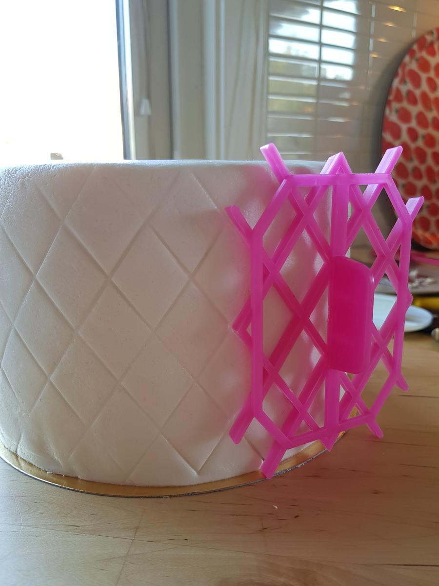 Calla lily wedding cake with quilting - mangokalla på bröllopstårta