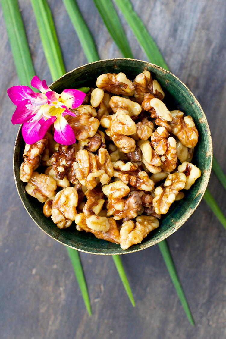 Caramelized-Maple-Walnuts