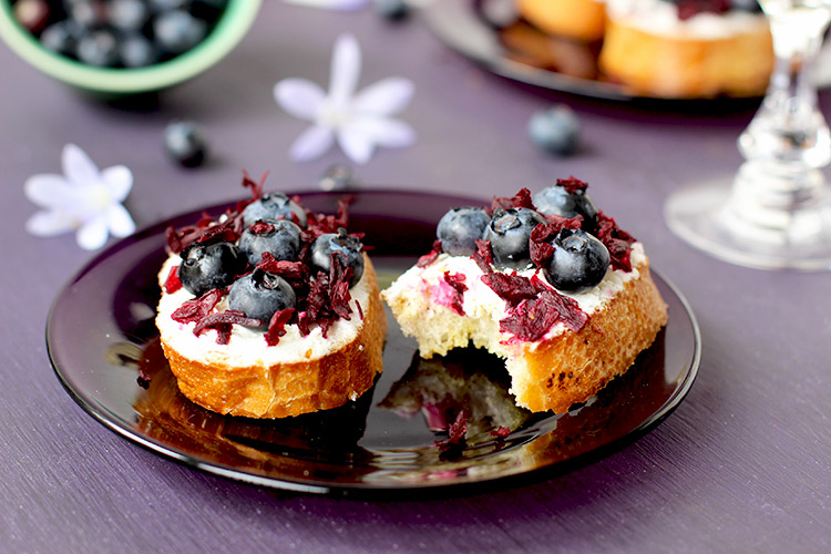 _Hibiscus-Blueberry-Crostini