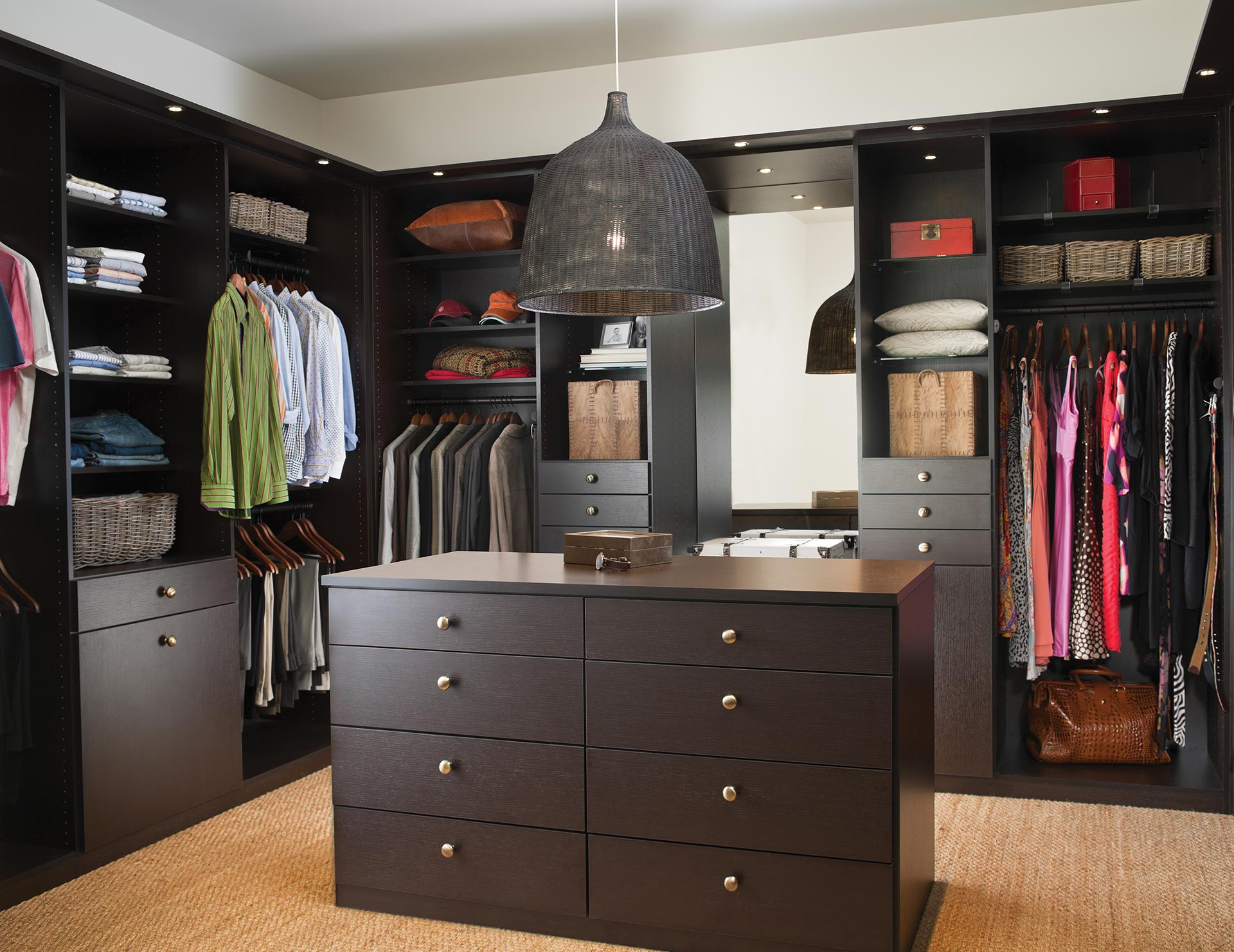Photo Walk-in Garde-robe Walk In Closet Systems Walk In Closet Design Ideas California