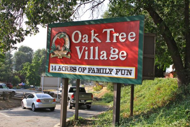 Oak Glen Village Sign