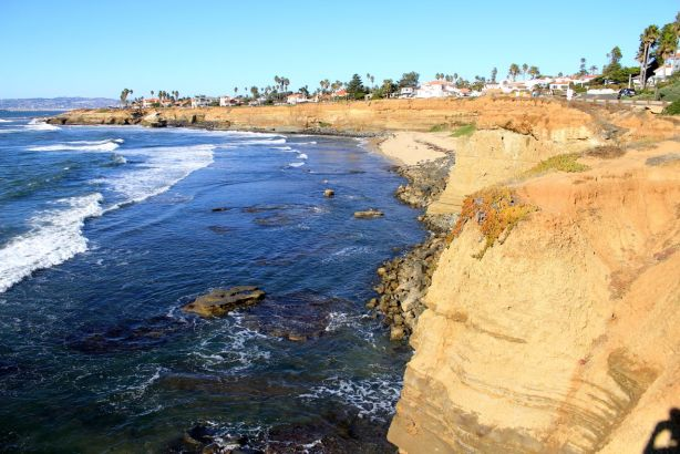 Start of the sunset cliffs walk