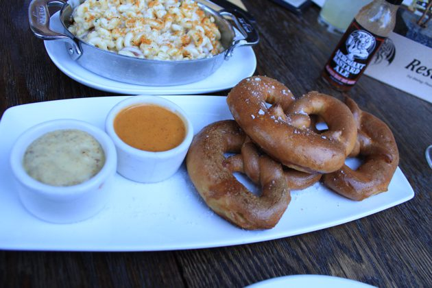 Pretzels with beer mac and cheese