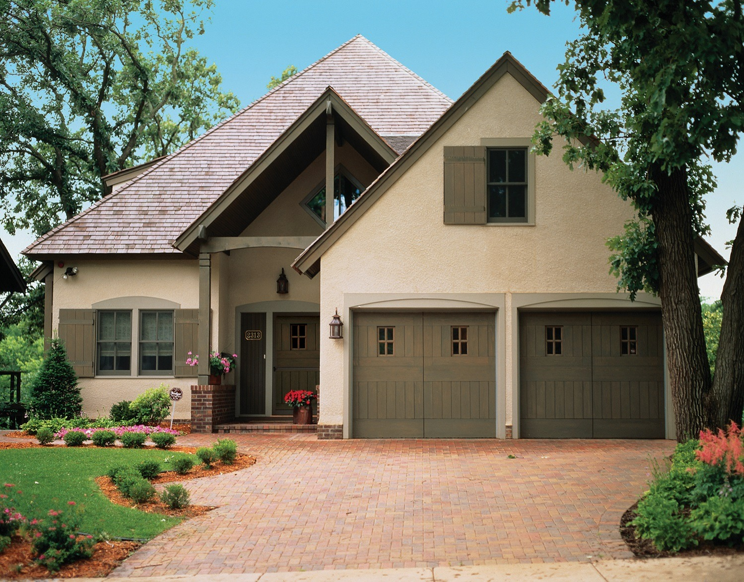 Garage And Front Doors That Match Modern Garage Doors Front Entry Doors Cambek