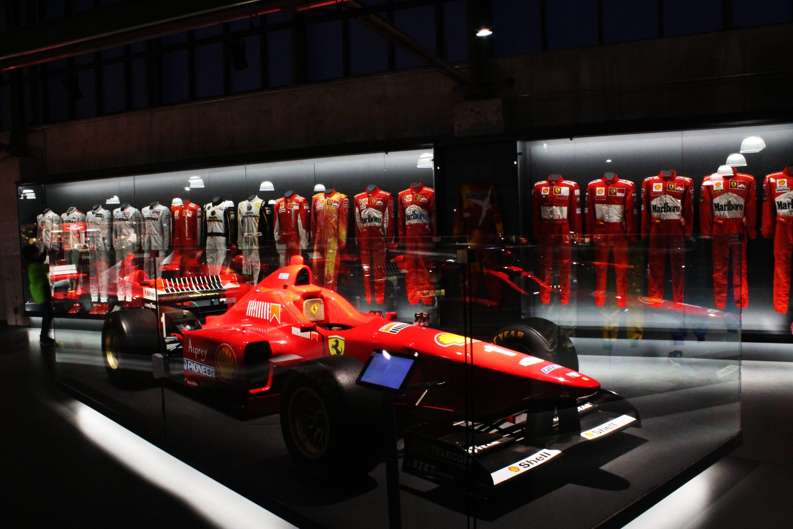 Poco Butzweilerhof Una Visita A La Michael Schumacher Private Collection - Camino A Boxes