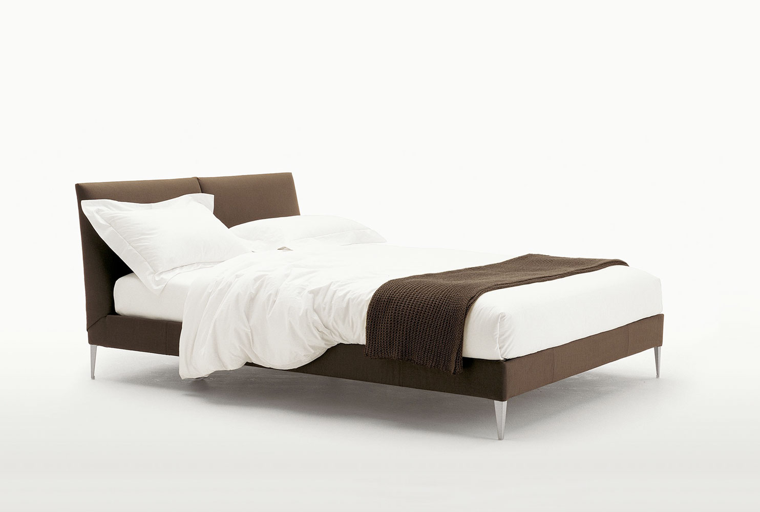 B&b Italia Maxalto Xilos Maxalto B Andb Italia Selene Bed Buy From Campbell Watson Uk