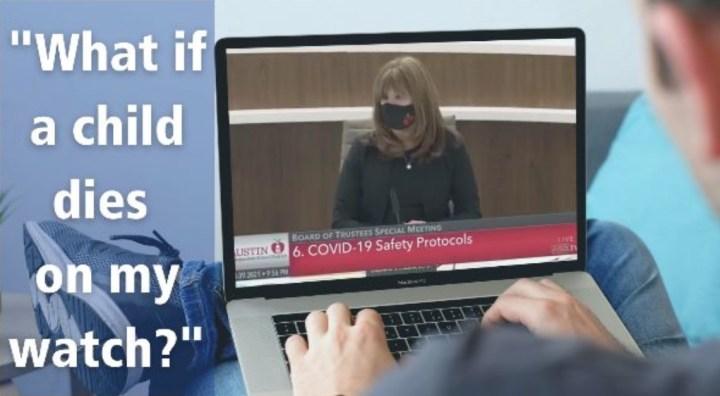 如果一个孩子在我眼皮底下死了怎么办? 图片:在学校董事会会议上,有人正在看电脑屏幕上老师的视频证词.