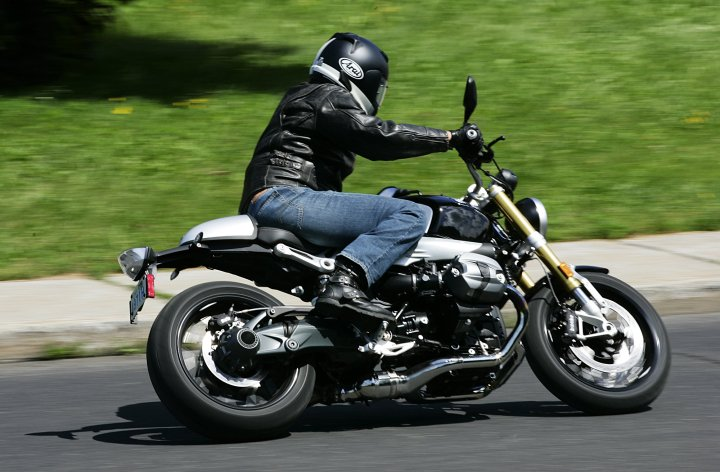 Rnine T in action: Costa rides BMW's factory cafe racer