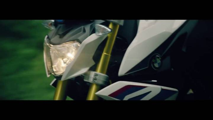 Here's another look at the BMW G310R (and Canadian MSRP)