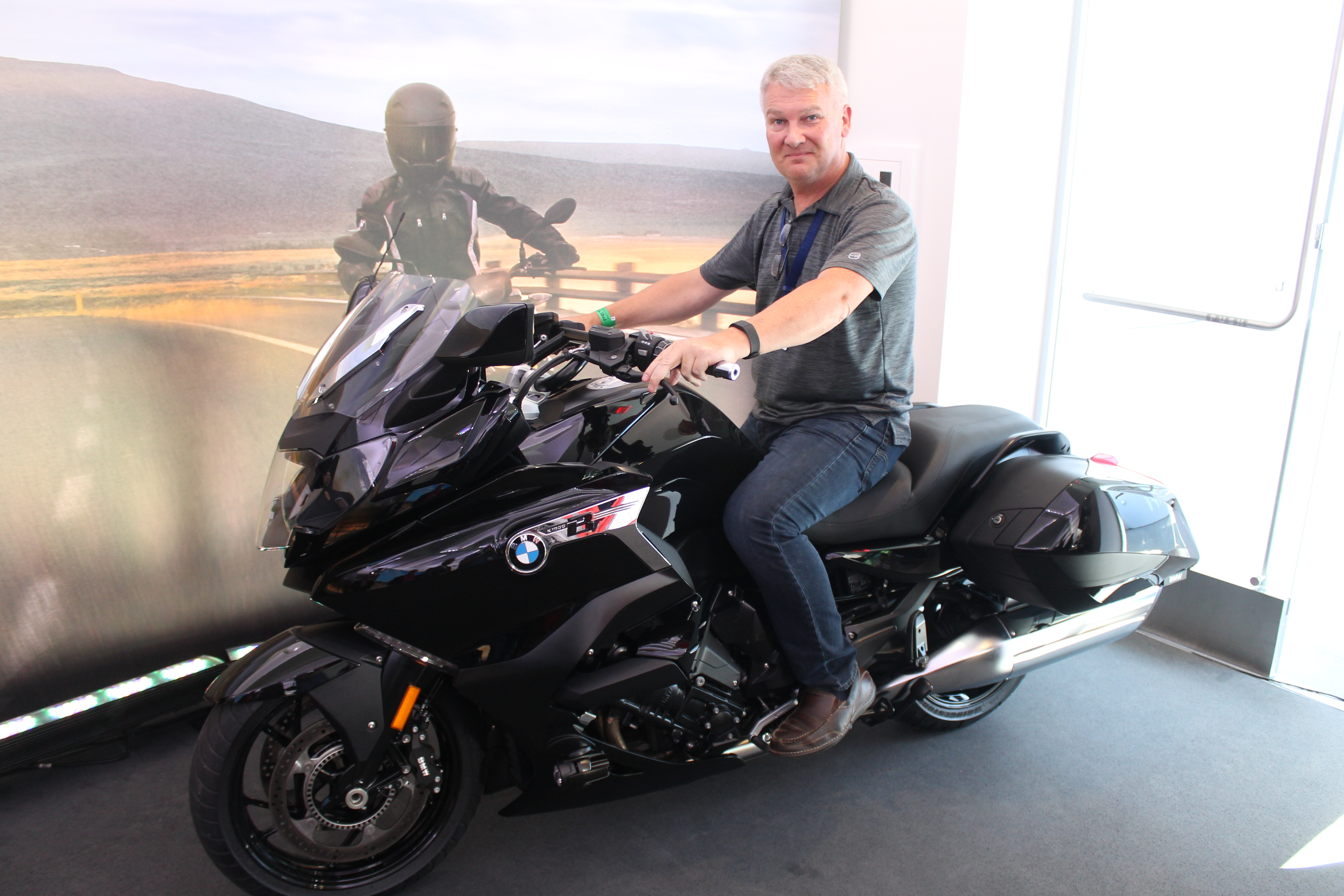 Debut: BMW officially launches new K1600 B bagger | Canada ...