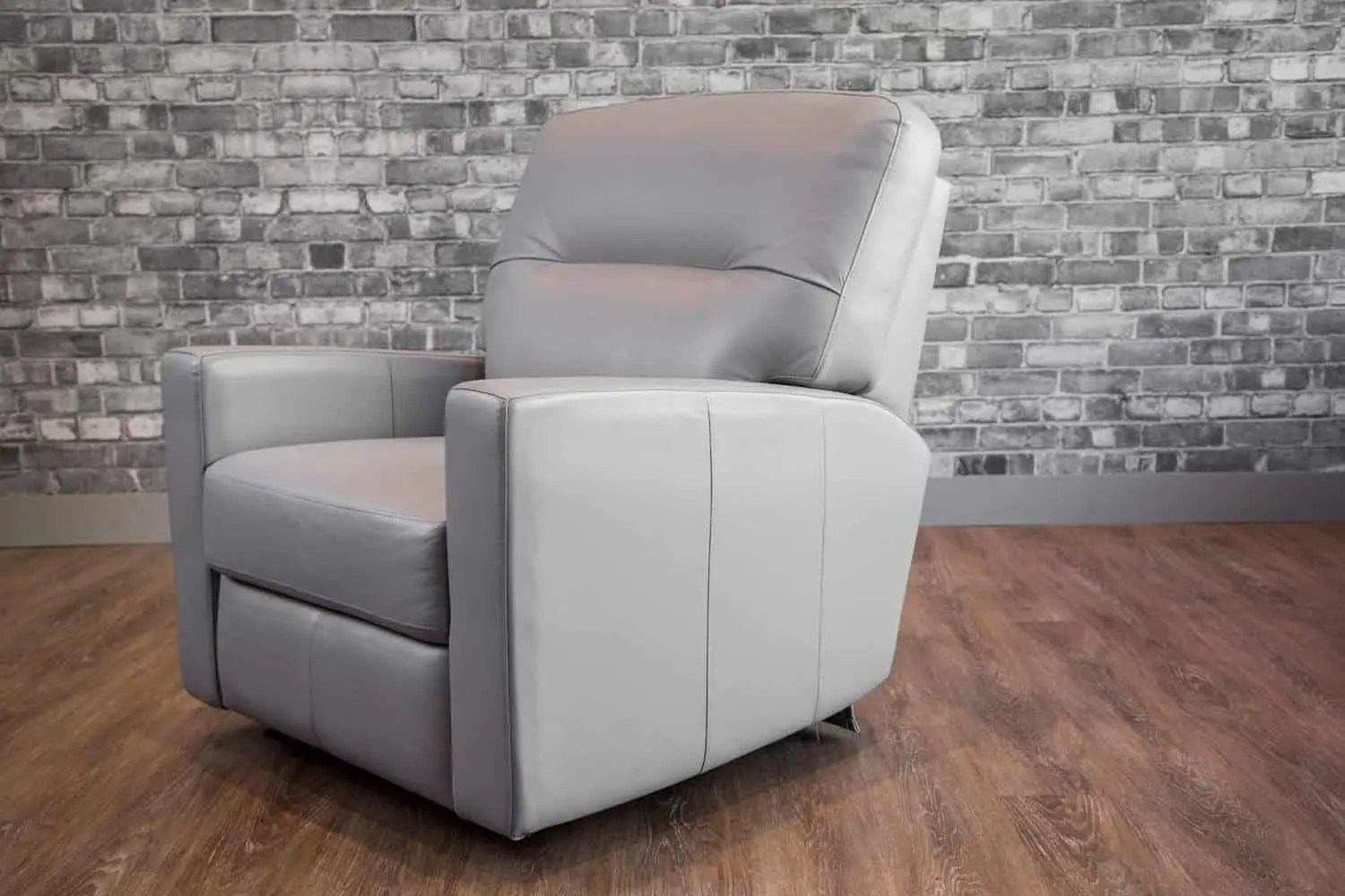 Leather Recliner Chairs Canada The Venus Leather Recliner Collection Canada 39s Boss