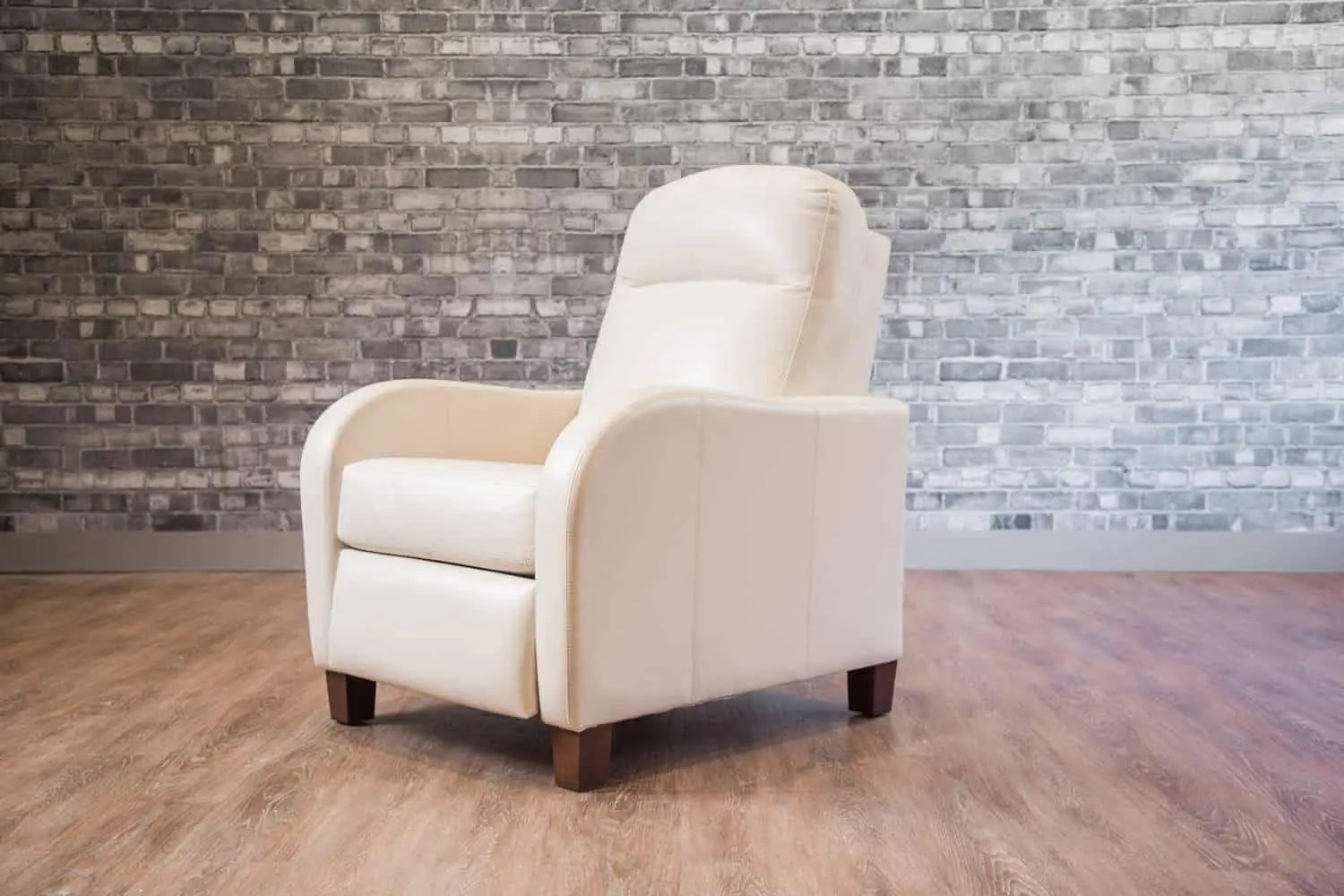 Leather Recliner Chairs Canada Metro Recliner Waterfall Arm Canada 39s Boss Leather Sofas
