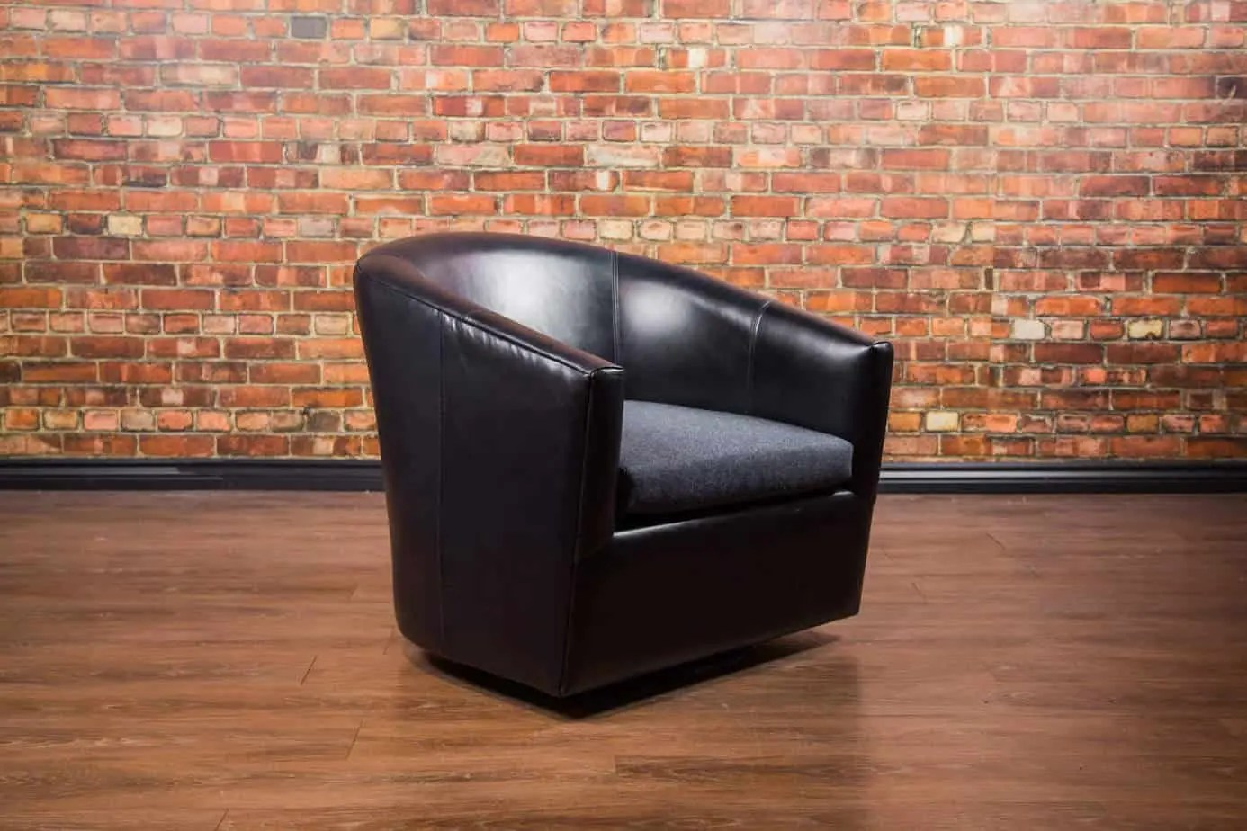 Leather Recliner Chairs Canada The Treck Leather Swivel Chair Collection Canada 39s Boss