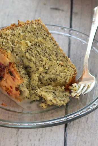 Lemon-poppyseed-pound-cake-recipe