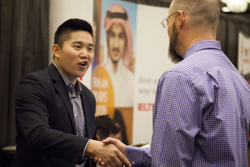 5 things to do after attending a career fair or networking event