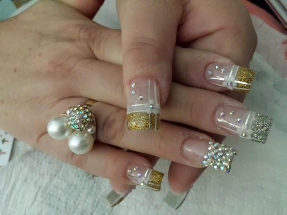 Decoración de uñas con piedras