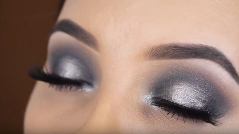 maquillaje plateado fácil