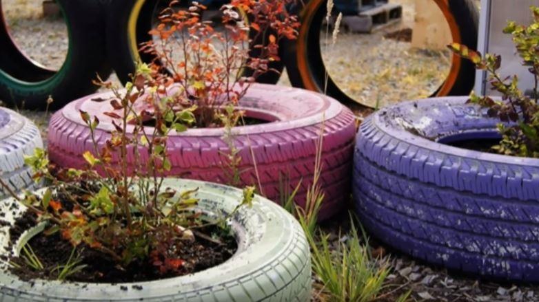 Decorar con llantas recicladas ideas diy para tu jard n for Ideas para decorar el jardin con llantas