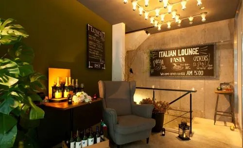 PACE ITALIAN LOUNGEの店内