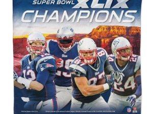 """WinCraft New England Patriots Super Bowl XLIX Champions 16"""" x 16"""" Collector Towel"""