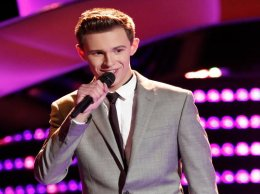 """Watch The Voice Season 11 Episode 2 Blind Auditions Premiere Videos: Monday, September 19, 2016. See talented 16 Riley Elmore of West Dundee, Illinois cover Frank Sinatra's classic song """"The Way You Look Tonight."""" He even sang a duet with Adam Levine! They sounded beautiful together. Did you watch? He got two chair turns (Blake Shelton and Adam Levine) and chose Adam as his coach."""